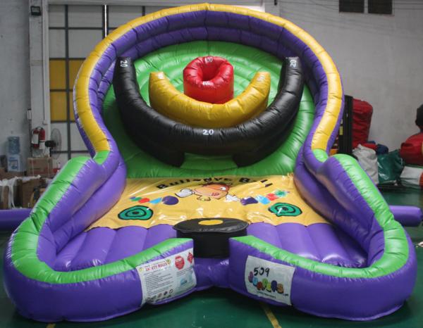 inflatable bullseye ball challenge (6)